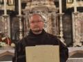 10.Glavni urednik Karmelskih izdanja o. Jure Zečević predstavlja nove knjige
